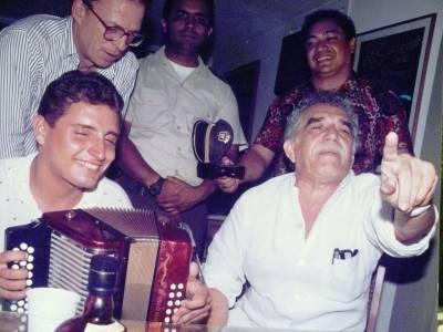 La noche que Gabo cantó vallenatos en Valledupar