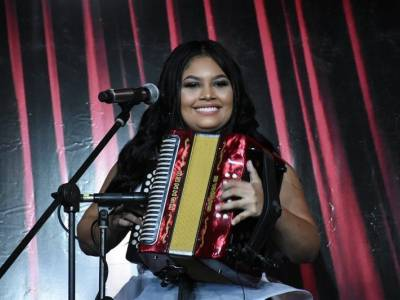 Yeimi Arrieta se alzò como la soberana de las acordeoneras