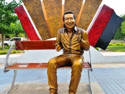 A   la Junta le duele lo que están haciendo con la escultura de Diomedes Díaz